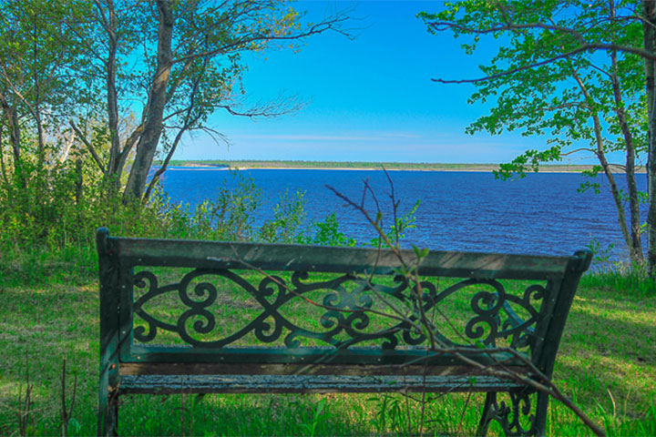 Victoria: Cottage for Rent Lake Winnipeg, MB